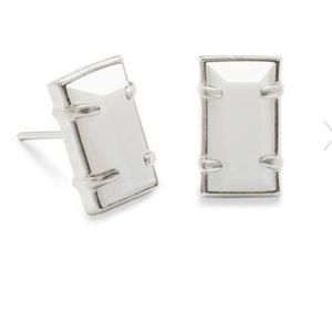 NWT Kendra Scott Paola rhodium earrings, White